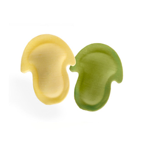 Setas blancas y verdes con hongos calabaza