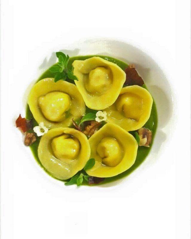 raviolo broccoli e colatura