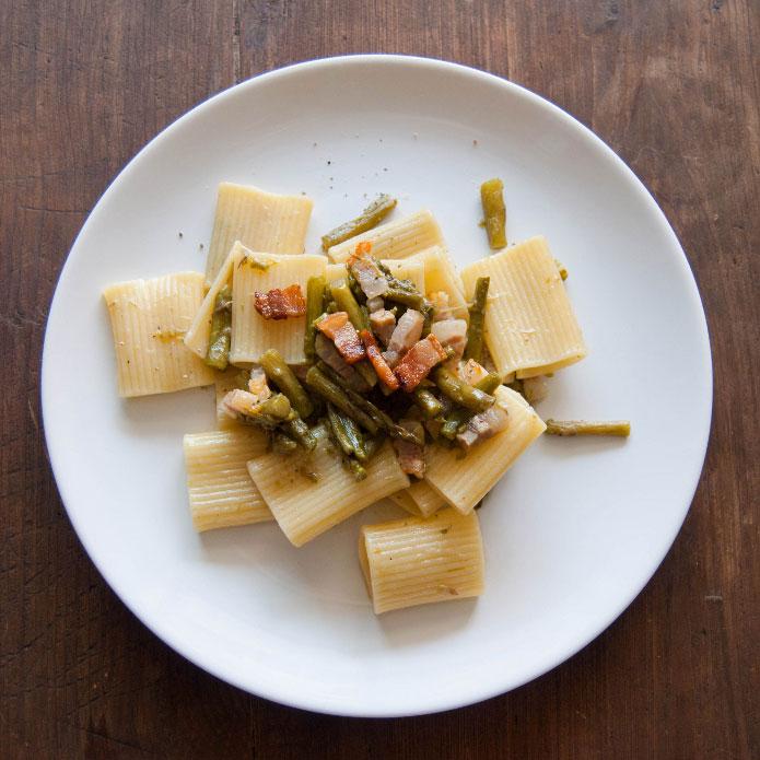 recette-italienne-paccheri-rigati-asperges-et-pancetta