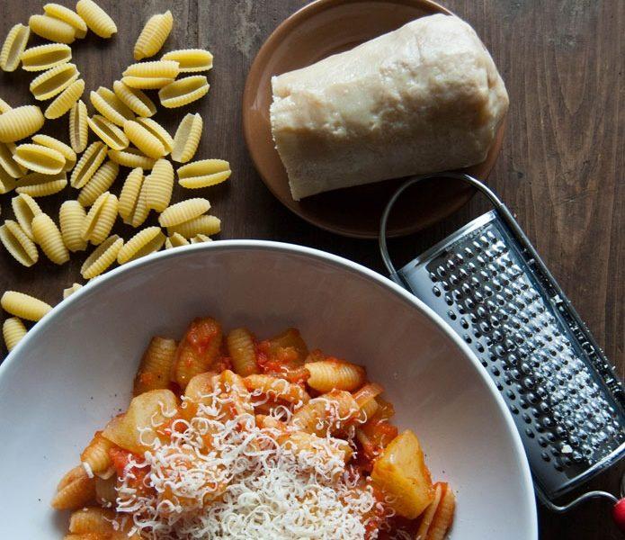recette-italienne-pasta-e-patate-rossa