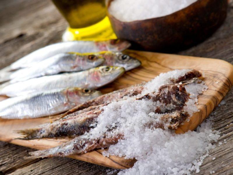 menaica anchovies