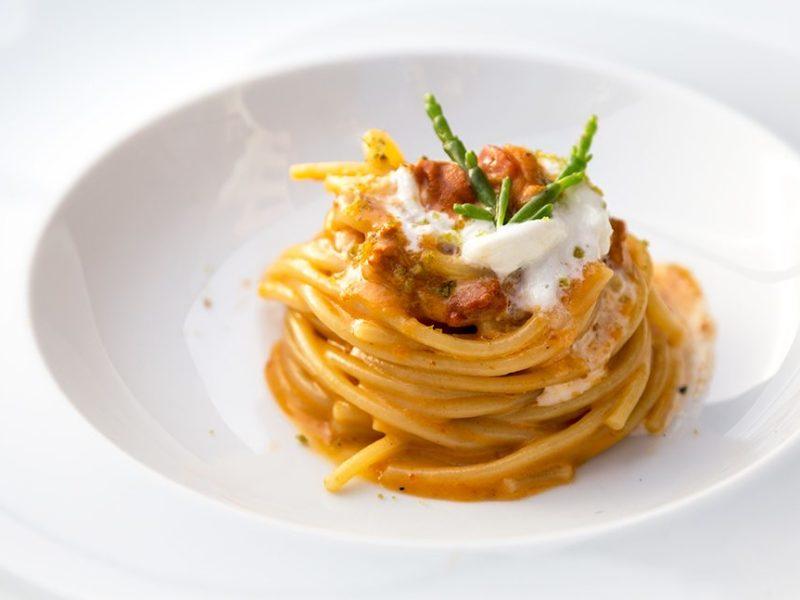 spaghettone J-MOMO con carbonara di mare