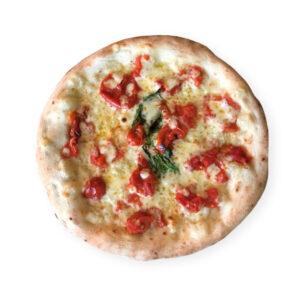 pizza margherita con tomate fresco